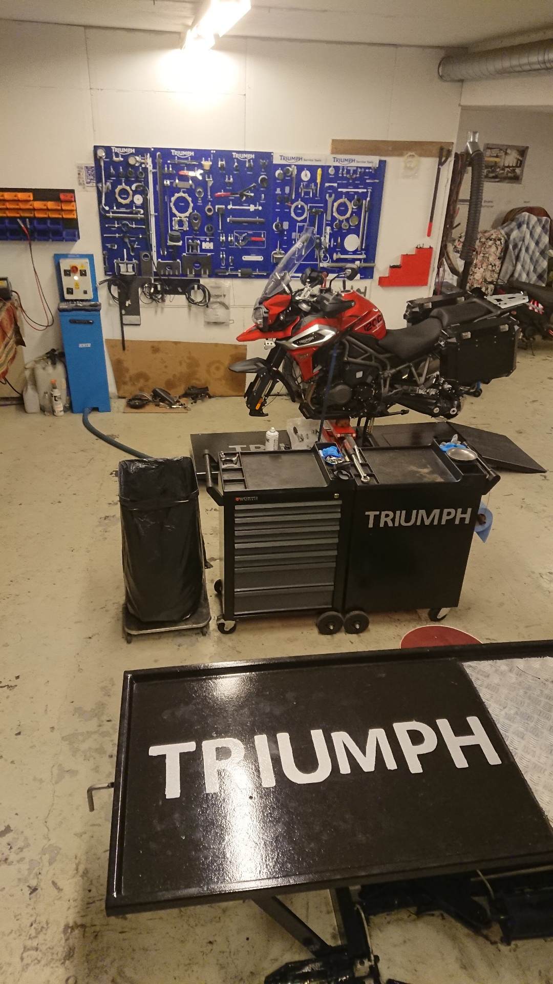 MC_verksted_triumph